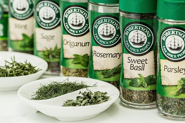 herbs-e13db9082b_640